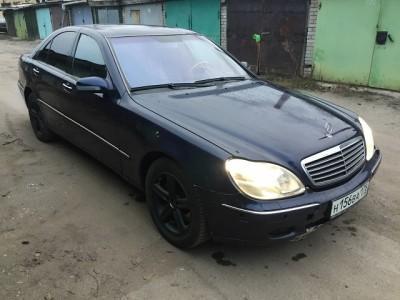 Mercedes S Class (W220)