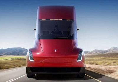 Tesla получила два крупнейших заказа на90 электрических фургонов Semi